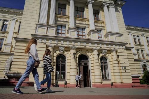 Одесский Медин продолжает работать, несмотря на судебное решение про закрытие 10 корпусов // Почему это законно