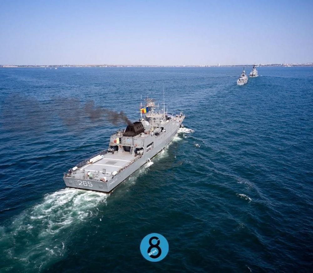 Зрелищный парад // У одесского побережья проплыли корабли НАТО под прикрытием истребителей