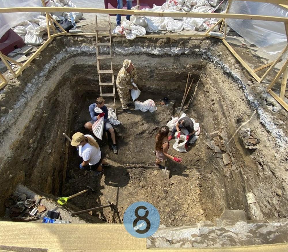 Артефакты ранней Одессы и турецкие трубки // На Приморском бульваре проходят археологические раскопки